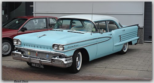 Oldsmobile Eighty-Eight - 1958 by Ruud Onos