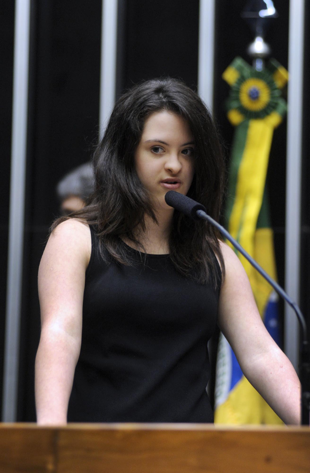 Jessica Figueiredo discursa