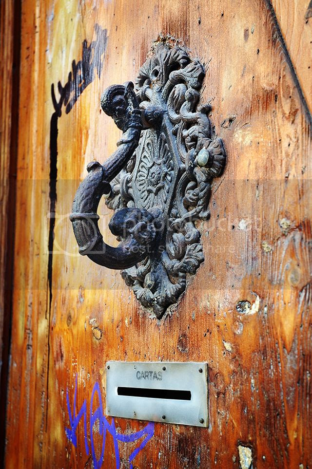 Door Knocker, Gothic Quarter, Barcelona [enlarge]