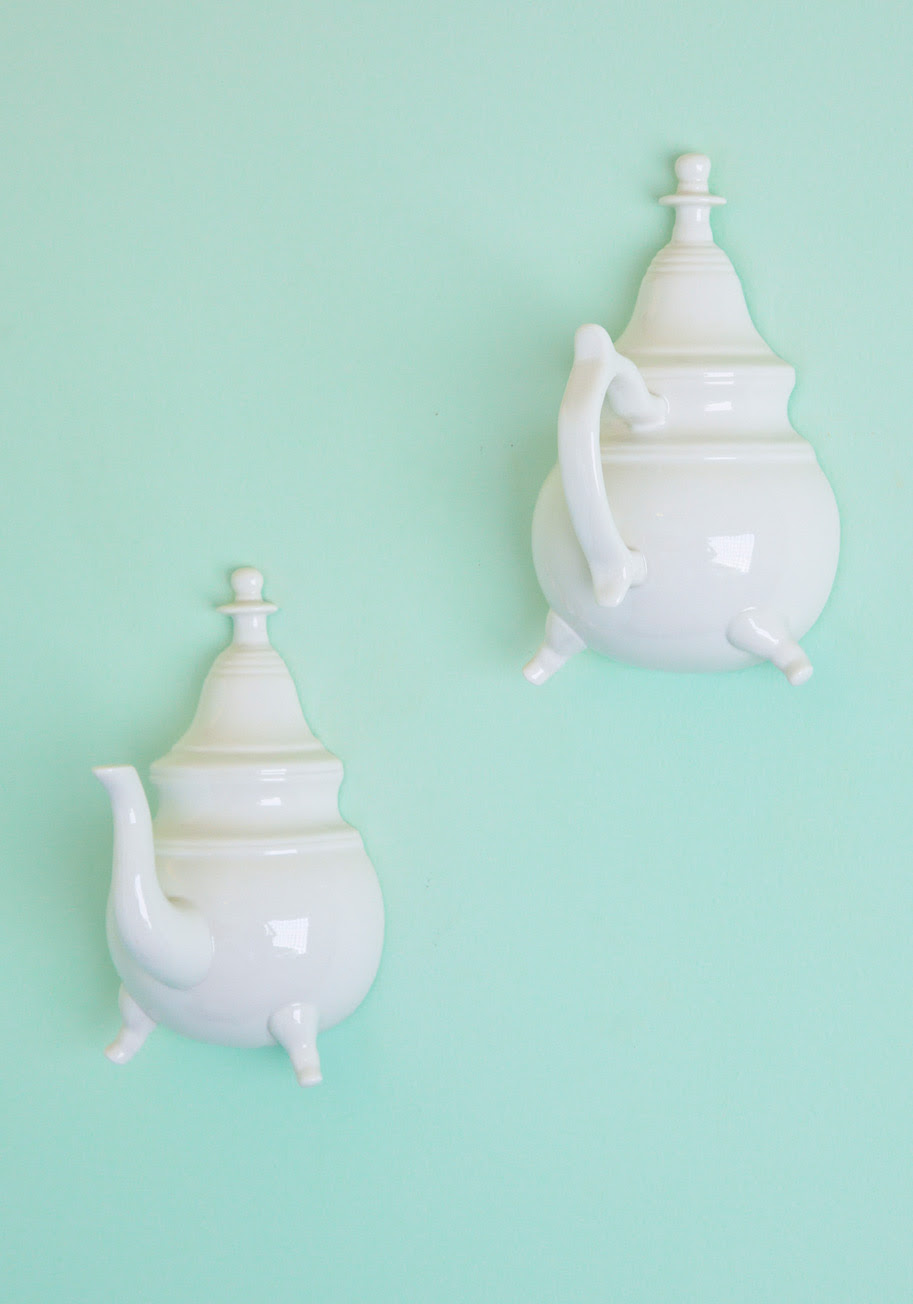 Practical Proprie-tea Wall Hooks | Mod Retro Vintage Wall Decor ...