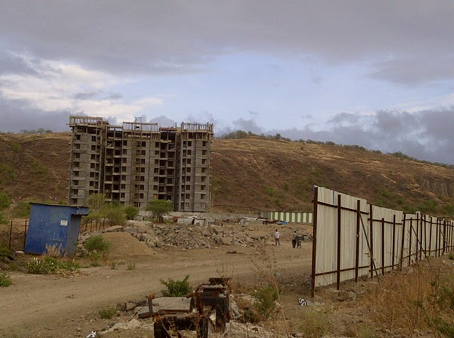 Reelicon Alpine Ridge from the kacha road to Amit's Sereno, 2 BHK & 3 BHK Flats near Pancard Clubs, Baner Pune 411045