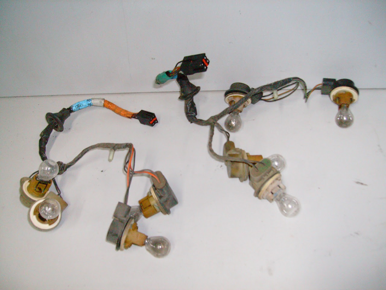 1996-1998 Ford Mustang Rear Tail Light Wire Harness Taillight