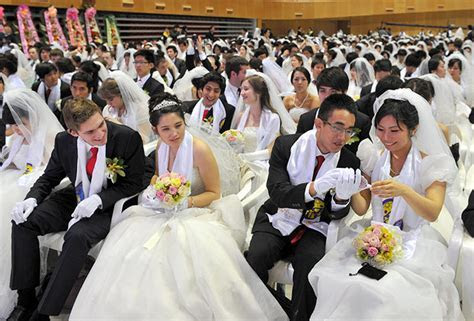 3,500 Couple Get Married in Mass Wedding in South Korea