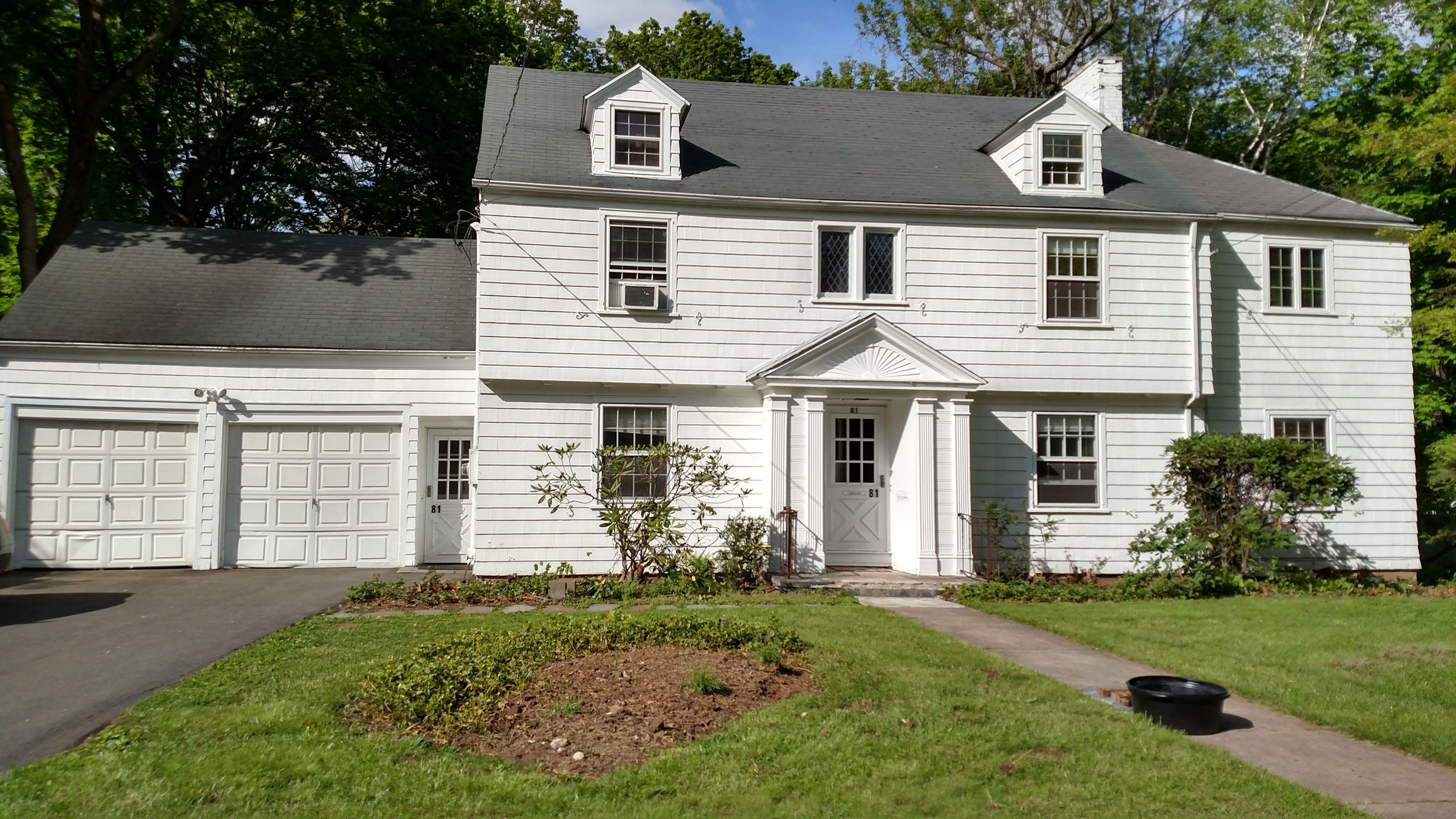 Room For Rent In Beautiful Colonial In New Britain West End In