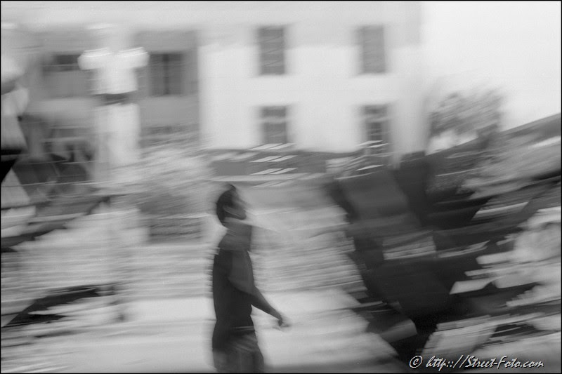 The Song. Miami,  Florida, USA, 2011. Street Photography of Miami, San Francisco and Key West by Emir Shabashvili, see http://street-foto.com, http://miamistreetphoto.com, http://miamistreetphotography.com or http://miamistreetphotographer.com