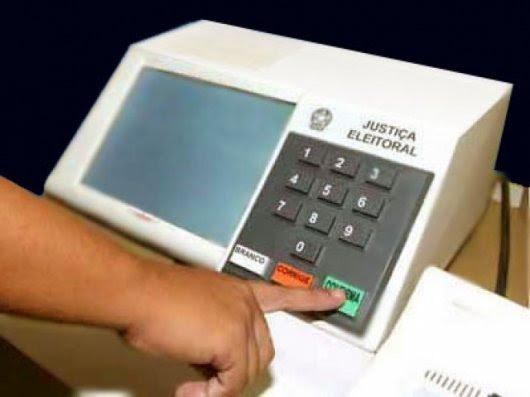 Resultado de imagem para urnas eletrônicas