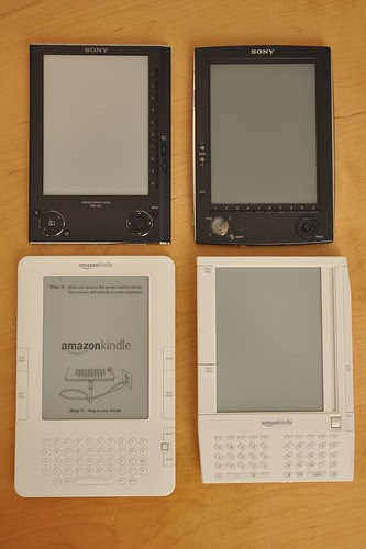 2x2 Comparison Amazon Kindle & Sony eBook by jblyberg.