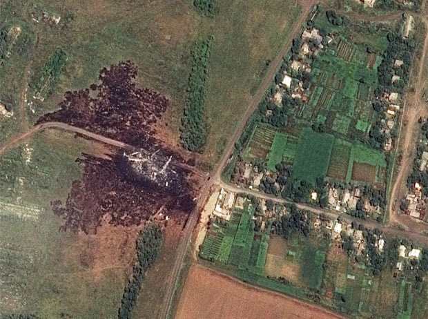 Imagem de satélite mostra local da queda do Boeing 777 (Foto: AP Photo/Airbus DS/AllSource Analysis)