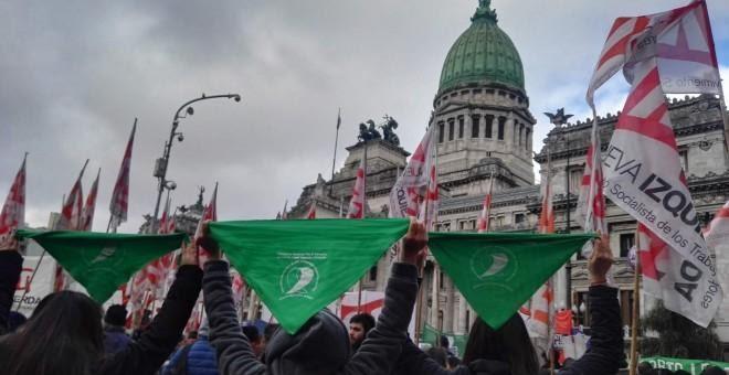 13/06/2018 Concentración en la Plaza del Congreso de Buenos Aires, durante el debate de la ley de interrupción del embarazo en el Parlamento argentino. S.R.