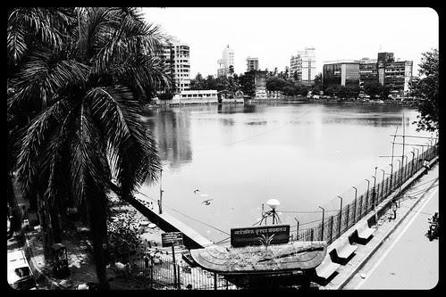 Bandra Talao..Sab Se Ganda Talao by firoze shakir photographerno1