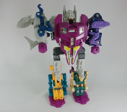Transformers Abominus G1 - modo robot