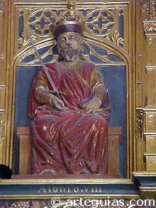 Estatua de Alfonso VIII en el alcázar de Segovia
