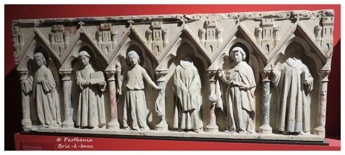 Éléments du tombeau de Philippe Dagobert
