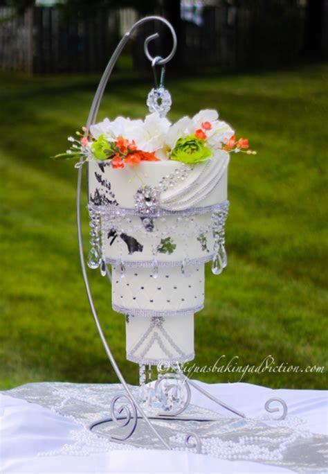 Chandelier Wedding Cake   CakeCentral.com