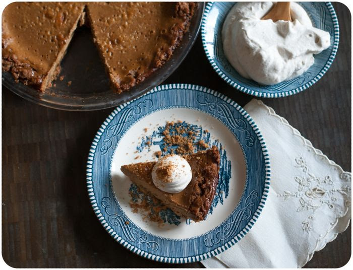 apple butter pie with cookie crust ... an easy pie recipe and a great alternative to pumkpin pie