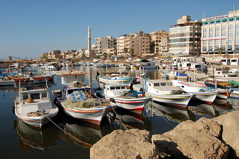 Fichier:Boats on Tartus boat harbor.jpg