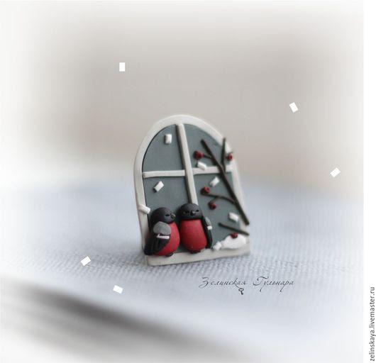 main Broche.  Maîtres juste - à la main.  Acheter soirée d'hiver.  Broche.  Handmade.  Hiver broche, hiver, rouge