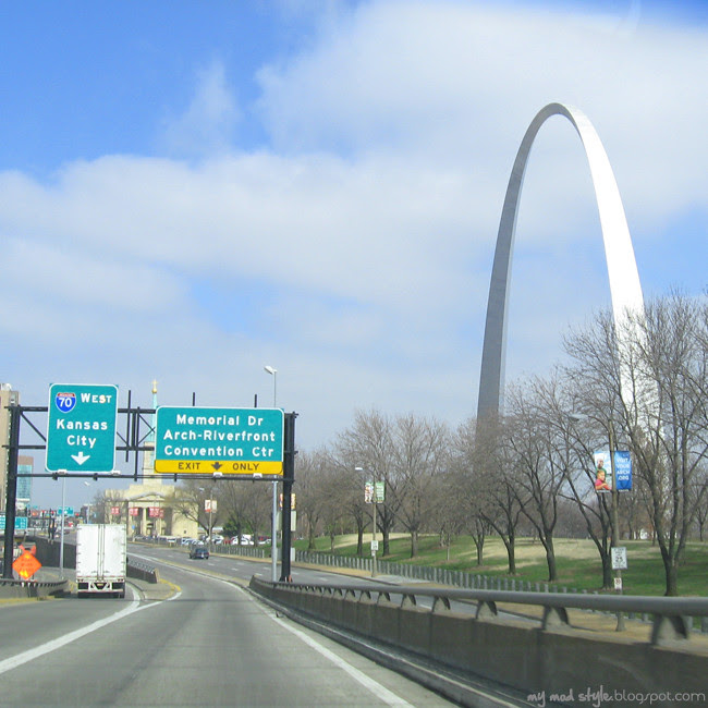 St Louis Road Signs and Arch