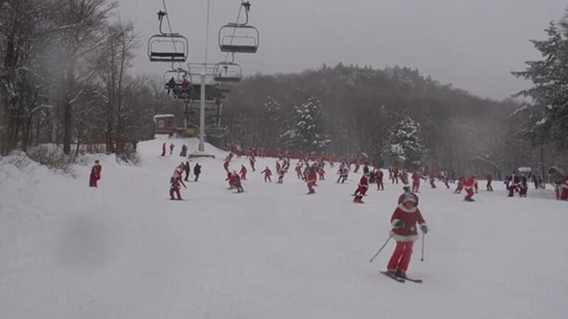 Yüzlerce Noel Baba Kayak Yaptı Eğlenceli Komik Videolar
