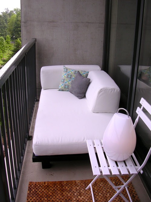 Lucass Outdoor Day Bed modern porch