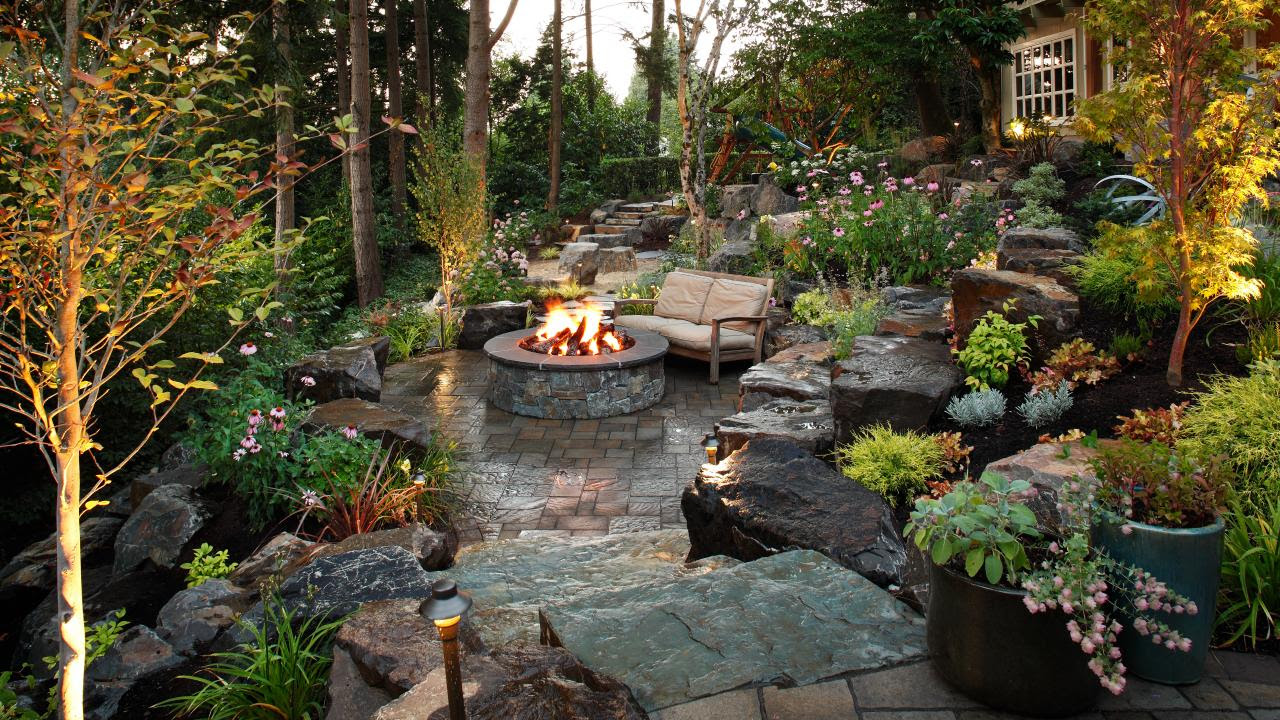 Sloped Back Yard Fire Pit Patio