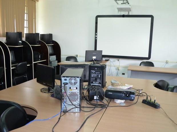 Lousa digital que será usada nas aulas (Foto: Magda Oliveira/G1)