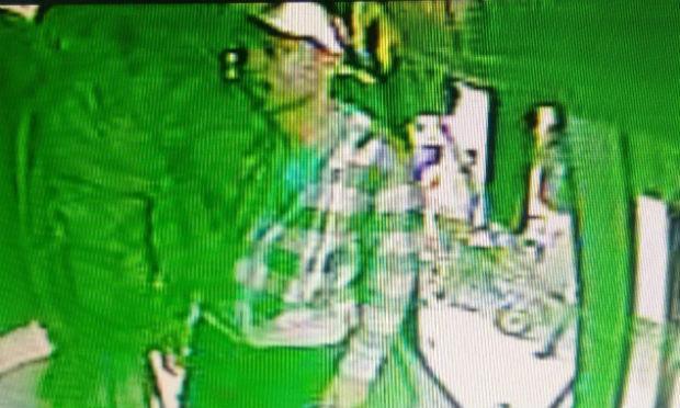 Imagens do circuito interno mostram ação dos bandidos. / Foto: Reprodução/TV Jornal.