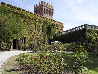 http://accommodations.tuscanyall.com/propertyPhotos/BIG_castello-di-magona.jpg