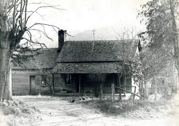 http://ncpedia.org/sites/default/files//Zebulon_B_Vance_Birthplace_Museum_of_History.jpg