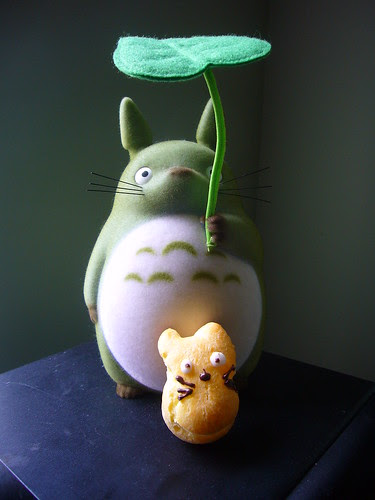 Totoro Cream Puff meets Totoro
