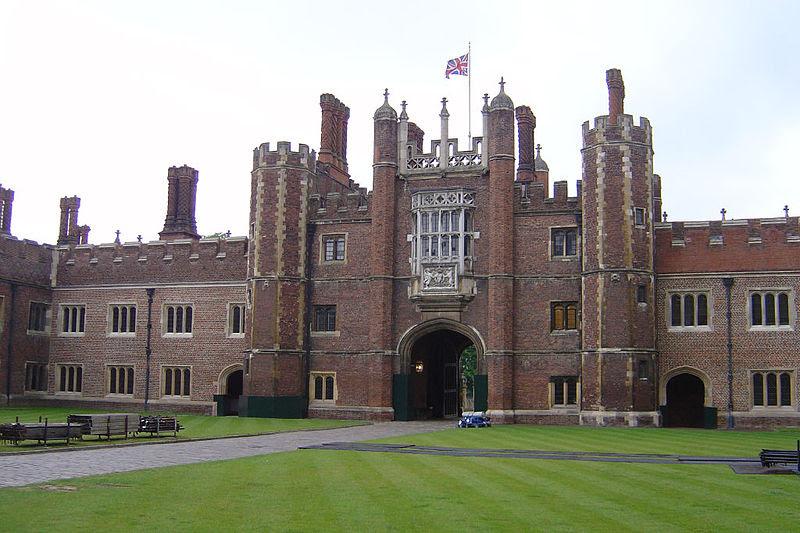 Archivo:Hampton Court RJL.JPG