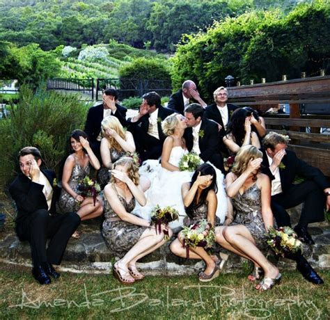 15 of the most awesome bridal party poses ever   PinPoint