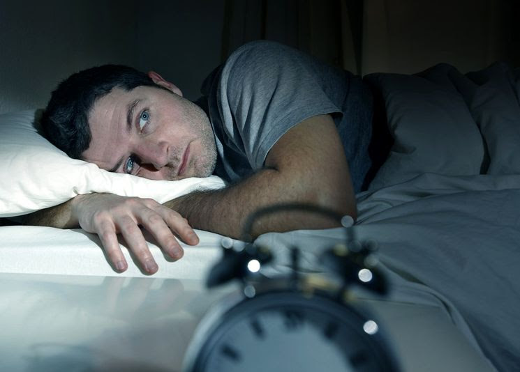 Картинки по запросу фото спит мужчина