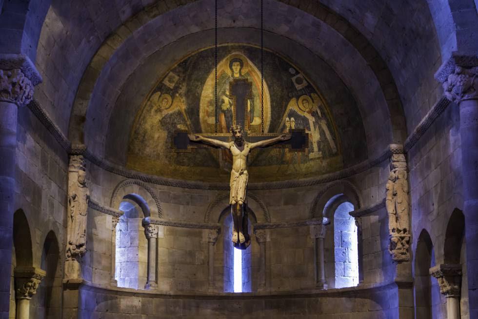 Ábside románico de la iglesia de San Martín de Fuentidueña (Segovia), hoy en el museo The Met Cloisters, en Nueva York.