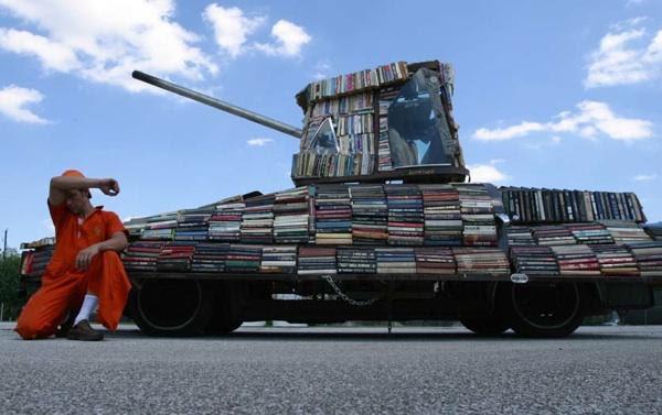 http://wagingnonviolence.org/wp-content/uploads/2010/06/Raul_Lemesoff.jpg