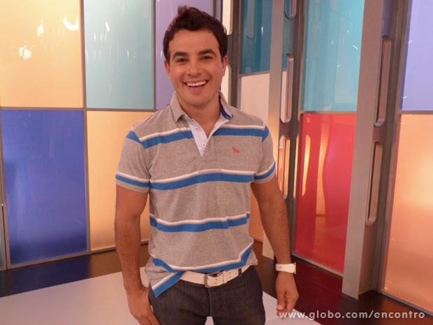 Anderson Di Rizzi afirma que é vaidoso (Foto: Encontro com Fátima Bernardes/TV Globo)