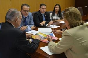 Henrique-com-Rosalba-em-audiência-no-Ministério-da-Cultura-com-ministro-19-04-17-300x198