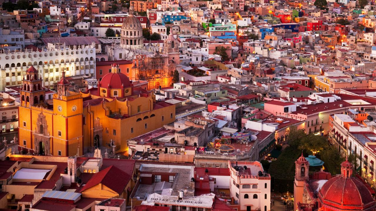 Guanajuanto enchants romantics with winding cobblestone streets and staircases (Credit: Credit: Greg Vaughn/Alamy)
