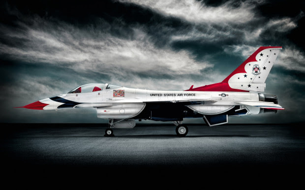 http://petapixel.com/2014/04/29/photographer-gets-a-ride-with-the-thunderbirds-as-a-little-thank-you/