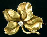 Whiteside and Blank four-leaf clover brooch. (J9088)
