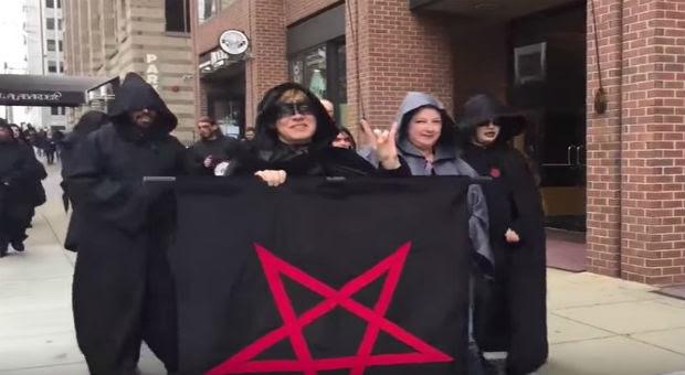 Resultado de imagen para satanist against trump