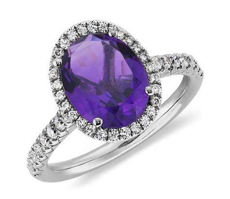 Amethyst and Diamond Ring in 18k White Gold (10x8mm