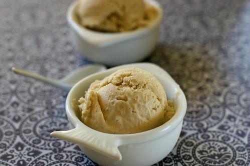 roasted pear & vanilla bean frozen yogurt