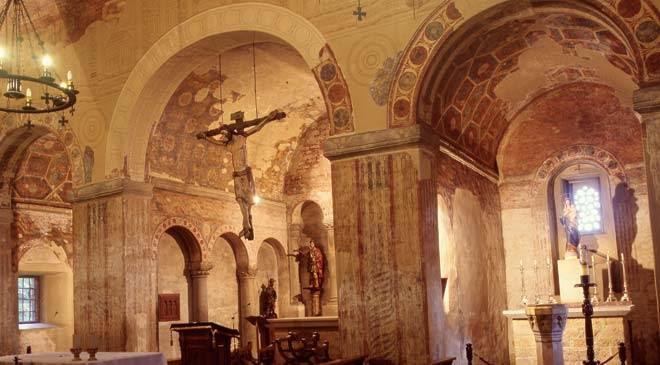 Resultado de imagen de iglesia de san julián de los prados - santullano