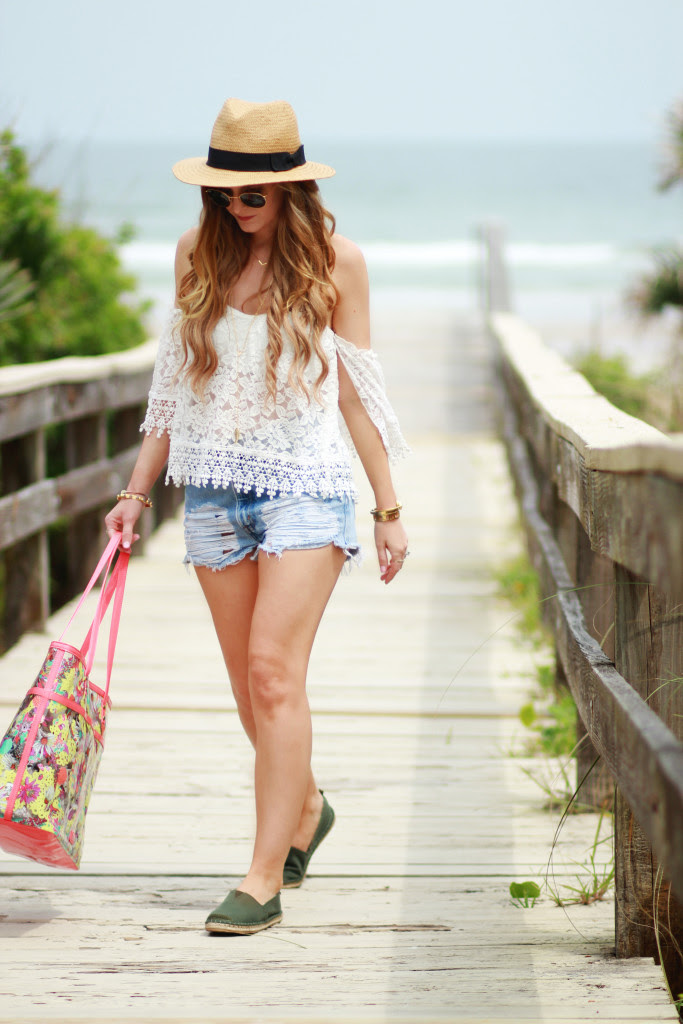 beach outfit  upbeat soles  orlando florida fashion blog