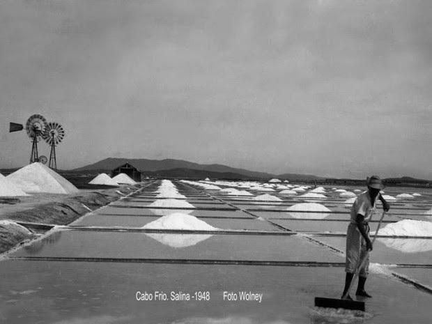 Salinas em plena atividade em Cabo Frio. (Foto: Wolney Teixeira)