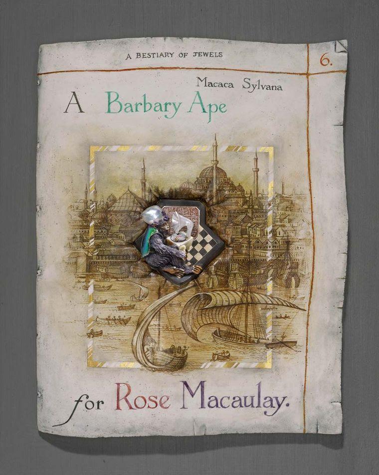 'A Barbary Ape pour Rose Macauley' Broche par Kevin Coates