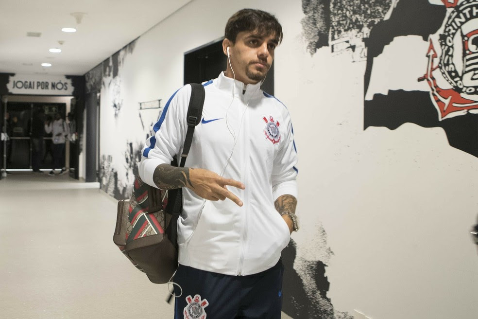 Fagner retorna ao time neste sábado (Foto: Daniel Augusto Jr. / Agência Corinthians)