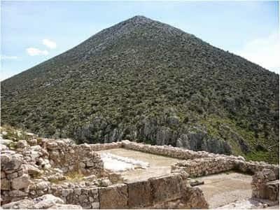 Αρχαία Ασπίδα Πυραμίδων Προστατεύει την Ελλάδα ! ! !