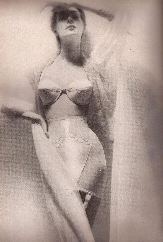 A história das Sweater Girls e os sutiãs-torpedo 24